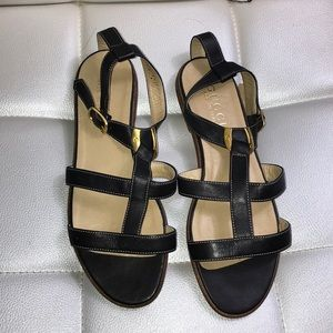 NEW Gucci gladiator sandals strappy black